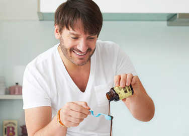 Image: Eric Lanlard cooking with vanilla