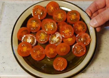 Image: This video on how to chop tomatoes will change your life