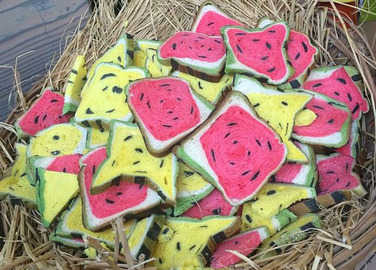Image: New food trend alert: Everyone in Taiwan is gobbling up watermelon toast