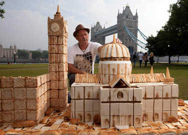 Image: Playing with your food: the greatest bread sculptures of all time