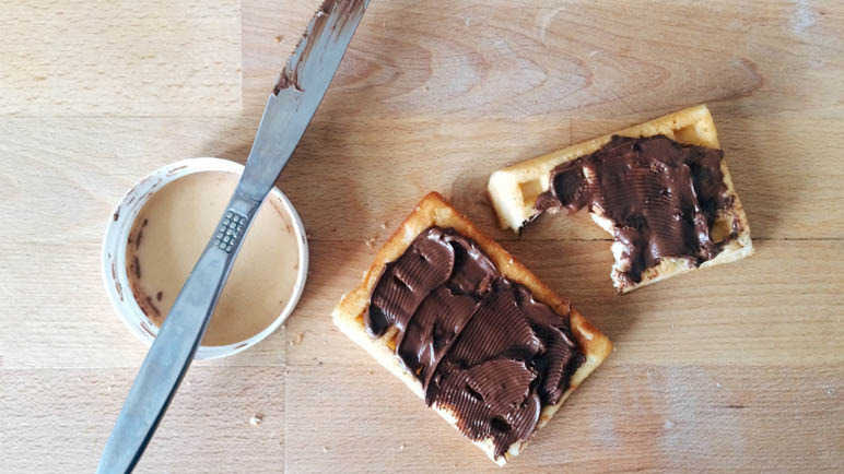 nutella-on-toast-homemade