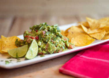 How to make chunky guacamole