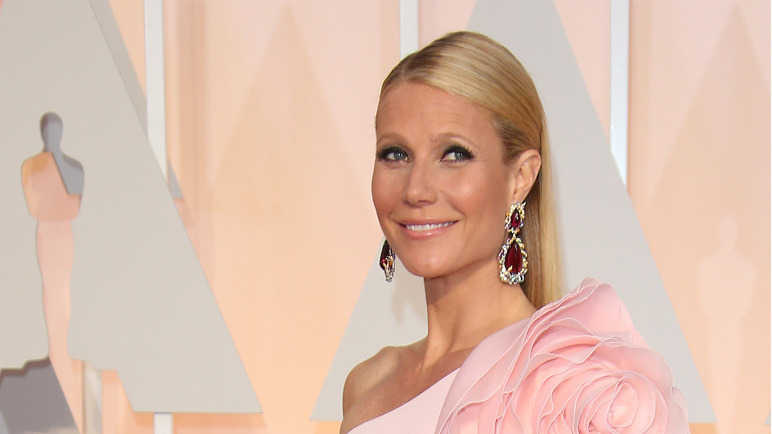 gwyneth-paltrow-wearing-pink-dress-homemade