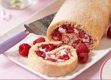 Image: Great British Bake Off: the perfect swiss roll