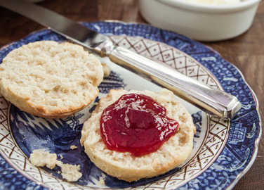 scones-with-jam-homemade
