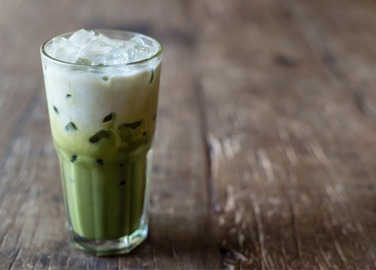 iced-matcha-latte-homemade