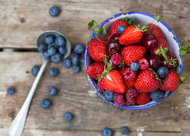berries-in-a-bowl-homemade