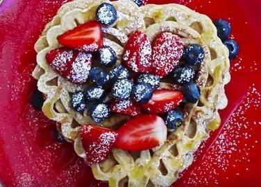 Image: Lacy heart pancakes