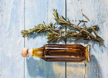 olive-oil-with-rosemary-homemade