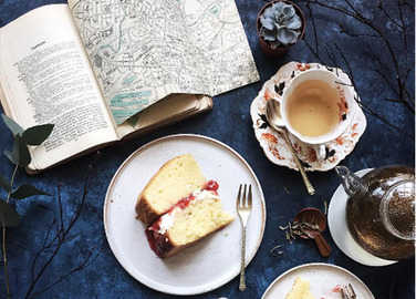 cake-and-tea-homemade