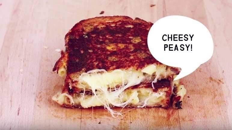 How to make a mac and cheese toastie
