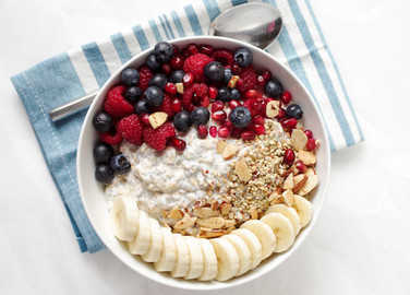 Image: Too hot for porridge? Overnight oats are a lie-in and a breakfast in one handy pot