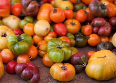 Image: XX seriously lovely ways to serve heirloom tomatoes