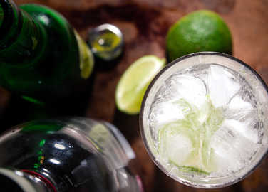 gin-and-tonic-homemade