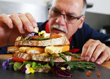 gold-leaf-fish-finger-butty