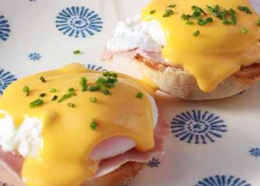 Image: Homemade How To: Hollandaise Sauce