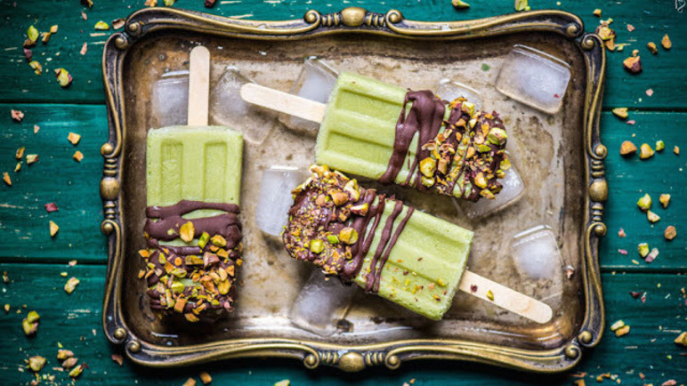 Image: 10 desserts made using avocado. Yep.