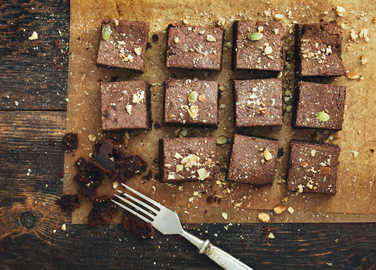chocolate-brownies-in-tray