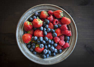 berries-in-a-bowl