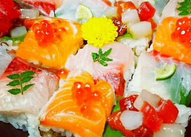 Image: Mosaic sushi is the prettiest way to eat raw fish. Ever
