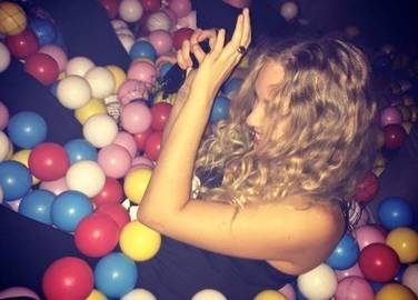 ballie-ballerson-ball-pit-bar