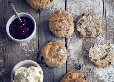 scone-with-cream-and-jam