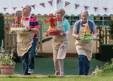 Image: Fancy Nancy wins the Great British Bake Off 2014