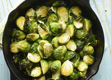 brussels-sprouts-in-pan