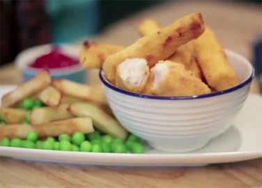 Image: How to make crispy fish fingers video