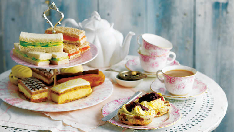 Image: 7 tips for a vintage afternoon tea party