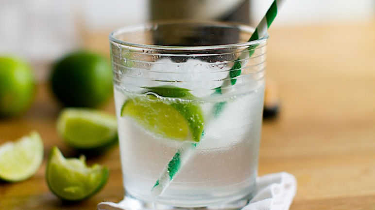 tonic kiwi vodka tonic glow in the dark gin and tonic jelly gin and ...