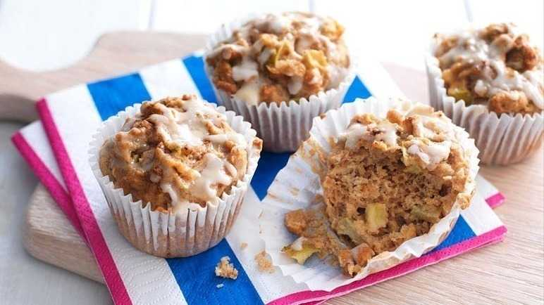 Apple, maple and cinnamon muffins