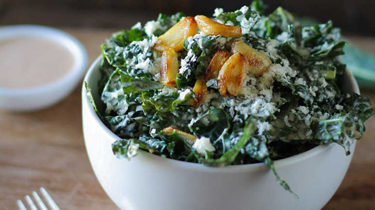 spocy-kale-salad-homemade