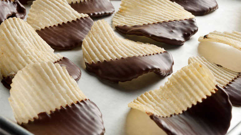 Chocolate-dipped crisps