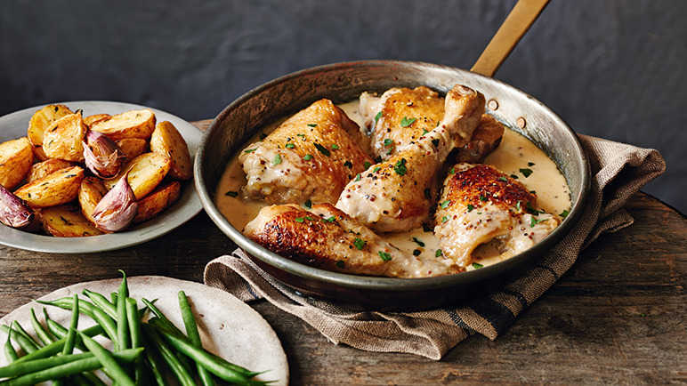 Chicken in cider with crème frâiche and potatoes