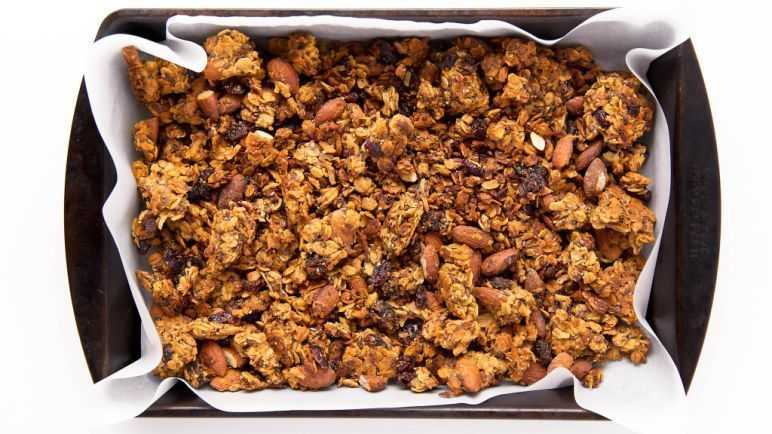Homemade carrot cake granola