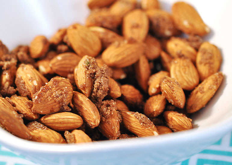 Sweet and savoury almonds