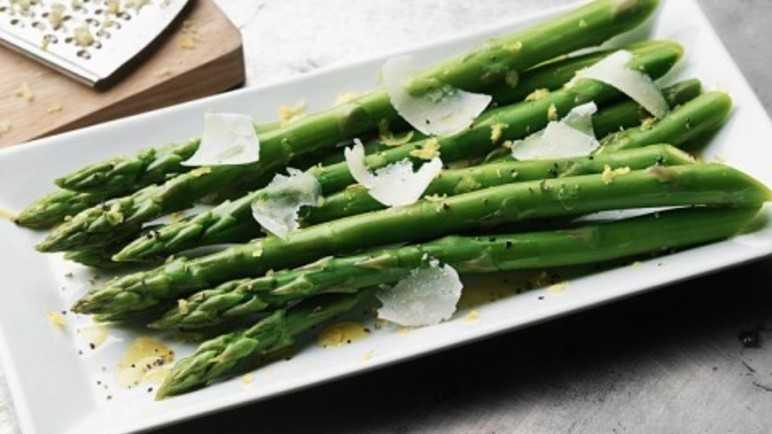 Zesty asparagus with Parmesan