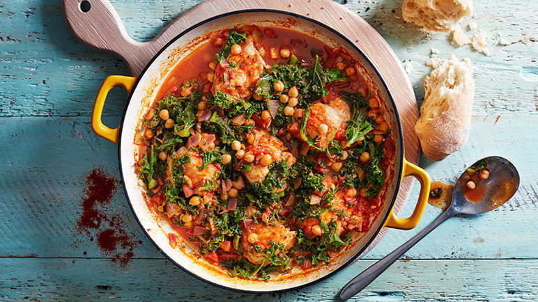 Chicken, chickpea and kale pot