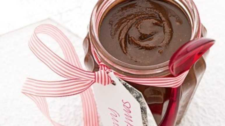 Chocolate pecan spread