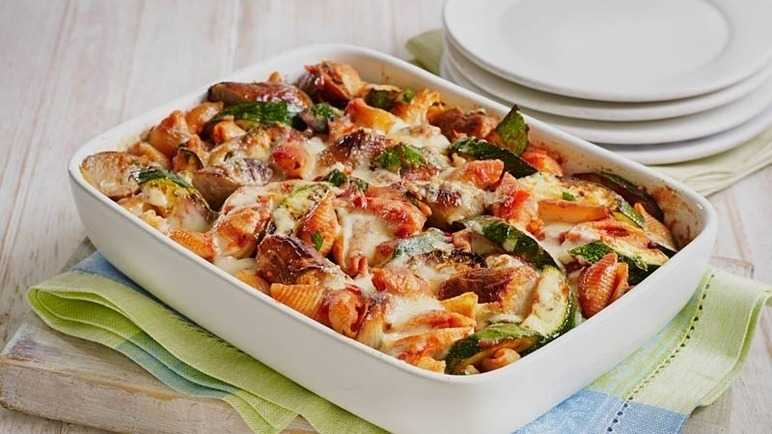 Cheesy tomato and sausage pasta