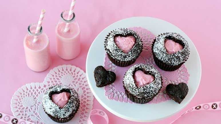 Heart butterfly cakes