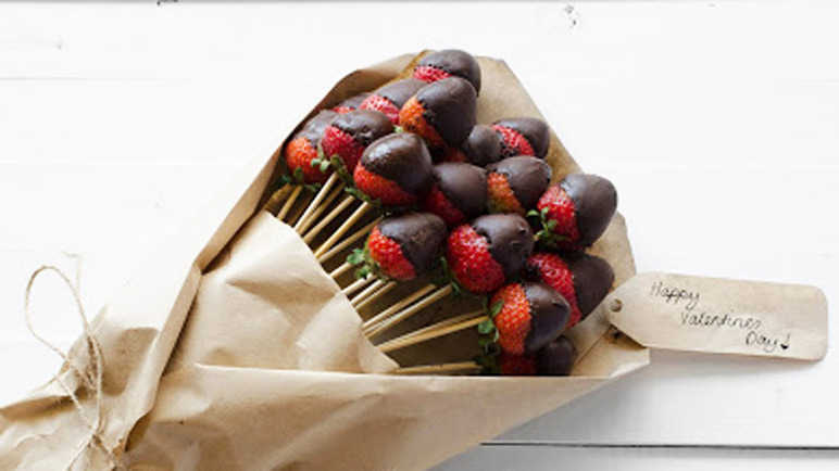 Vegan Chocolate Dipped Strawberry Bouquet