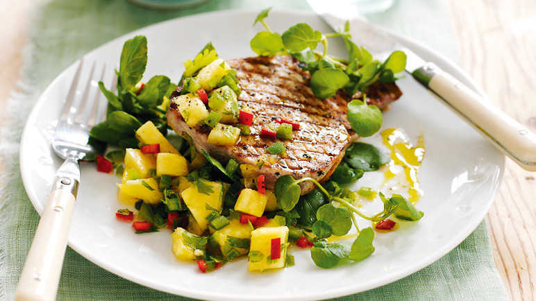 Seared tuna steaks with pineapple salsa