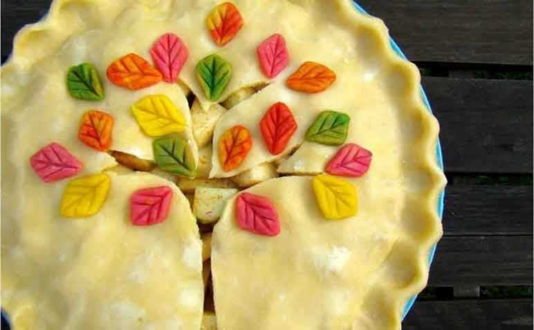 Tree pastry crust design