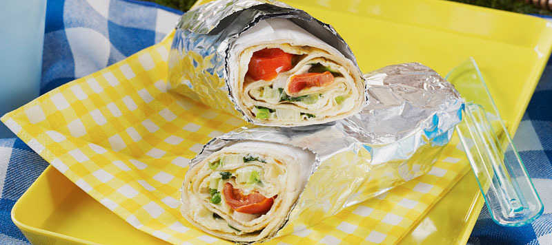 Spinach and cheese omelette wraps