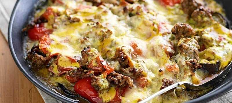 Lamb moussaka with tomato and peppers