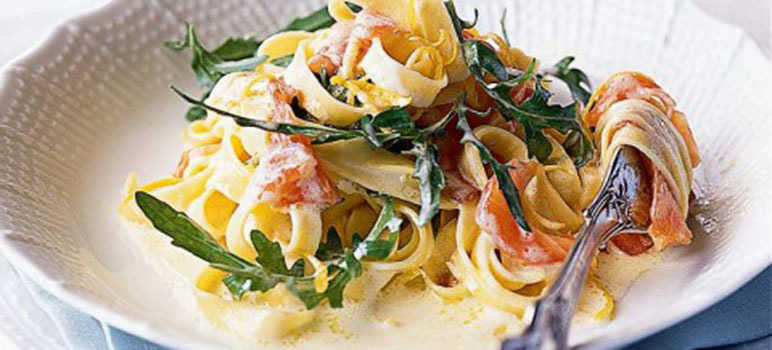 Smoked salmon and rocket tagliatelle
