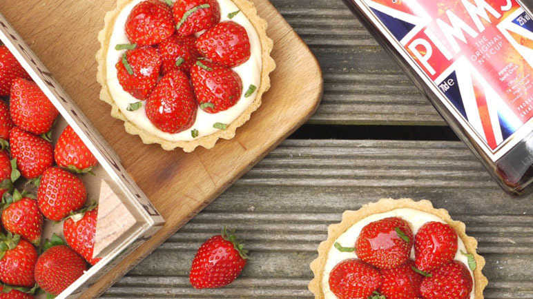 Strawberry and Pimm's tarts