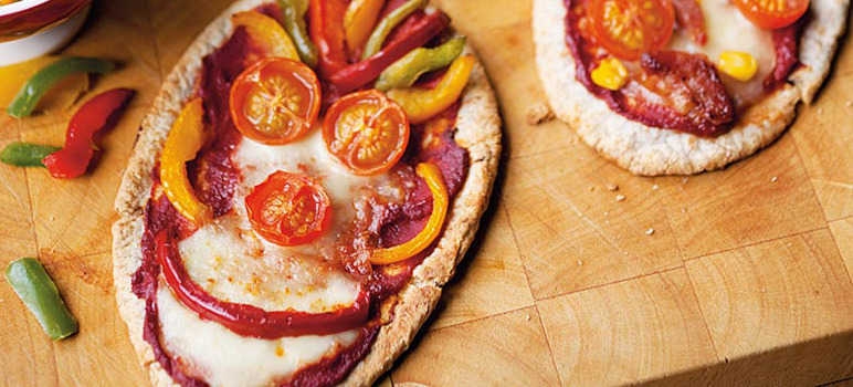 Fun pitta pizzas